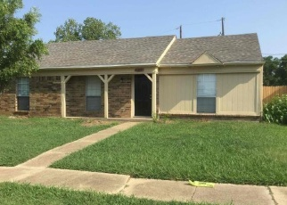 Foreclosed Home in Dallas 75217 SUNNYDALE DR - Property ID: 4362200583