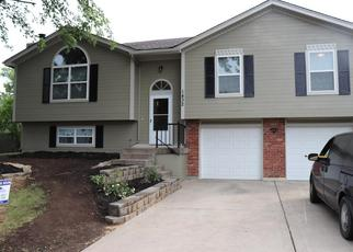 Foreclosed Home in Blue Springs 64015 NW YANKEE DR - Property ID: 4362459872