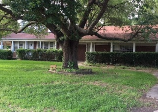 Foreclosed Home in Waskom 75692 W JEFFERSON AVE - Property ID: 4362491397