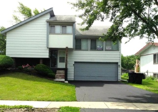 Foreclosed Home in Hazel Crest 60429 FOUNTAINBLEAU DR - Property ID: 4362526886