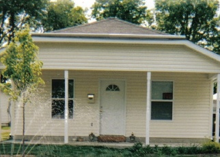 Foreclosed Home in Indianapolis 46222 N LUETT AVE - Property ID: 4362738414
