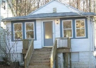 Foreclosed Home in Hewitt 07421 MAPLESHADE RD - Property ID: 4362838716