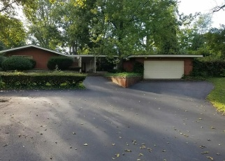 Foreclosed Home in Dayton 45405 WALES DR - Property ID: 4363031417