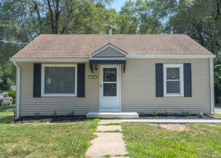 Foreclosed Home in Independence 64050 E NETTLETON AVE - Property ID: 4363225441