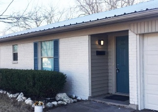 Foreclosed Home in Burleson 76028 LYNNEWOOD AVE - Property ID: 4363635834