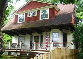 Foreclosed Home in Lakewood 44107 EDANOLA AVE - Property ID: 4363750576
