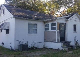 Foreclosed Home in Greenville 29609 PERRY RD - Property ID: 4363783868