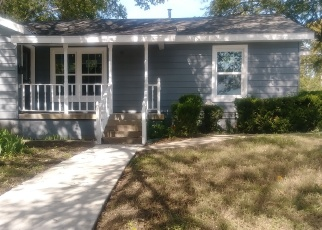 Foreclosed Home in Haltom City 76117 DOYLE ST - Property ID: 4364013800