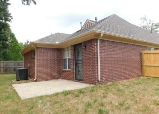 Foreclosed Home in Memphis 38134 GARDEN LEAF DR - Property ID: 4364599810
