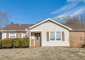 Foreclosed Home in Charlotte 28227 SPLIT RAIL LN - Property ID: 4365104345