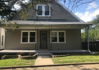 Foreclosed Home in Indianapolis 46221 RIVER AVE - Property ID: 4365162601
