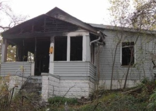 Foreclosed Home in Omaha 68111 FOWLER AVE - Property ID: 4365217347
