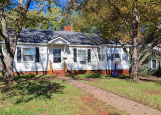 Foreclosed Home in Charlotte 28208 SKYVIEW RD - Property ID: 4366165112