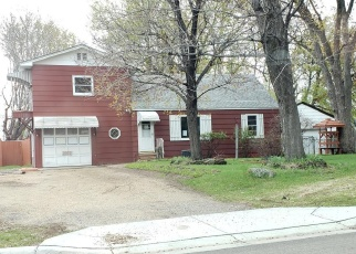 Foreclosed Home in Saint Paul 55112 OAKWOOD DR - Property ID: 4366952153