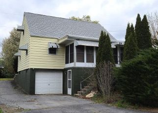 Foreclosed Home in Waynesboro 17268 N FRANKLIN ST - Property ID: 4366972755