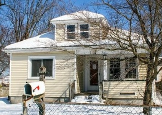 Foreclosed Home in Pawtucket 02861 YORK AVE - Property ID: 4367226782