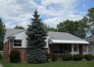 Foreclosed Home in Harper Woods 48225 WOODMONT ST - Property ID: 4367390574