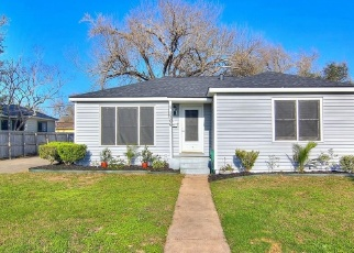 Foreclosed Home in Corpus Christi 78411 AUSTIN ST - Property ID: 4367508386