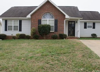 Foreclosed Home in Charlotte 28216 HUDSON GRAHAM LN - Property ID: 4367999805