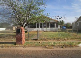 Foreclosed Home in Lubbock 79415 BAYLOR ST - Property ID: 4368214848