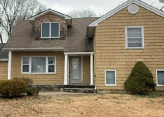 Foreclosed Home in Centereach 11720 SADDLE LN - Property ID: 4368966855