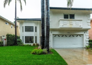 Foreclosed Home in Van Nuys 91401 MAMMOTH AVE - Property ID: 4368976475