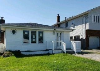 Foreclosed Home in Lindenhurst 11757 SURF ST - Property ID: 4369506423
