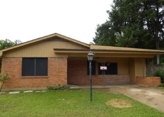 Foreclosed Home in North Richland Hills 76180 JERRELL ST - Property ID: 4369819579