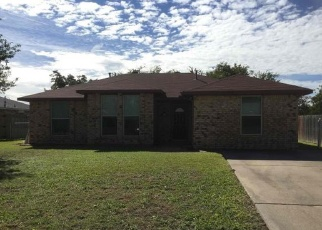 Foreclosed Home in Red Oak 75154 APACHE DR - Property ID: 4369887461
