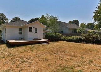 Foreclosed Home in Portland 97203 N VAN HOUTEN AVE - Property ID: 4370024551