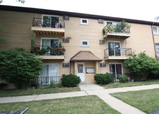 Foreclosed Home in Elmwood Park 60707 N 72ND CT - Property ID: 4370081935