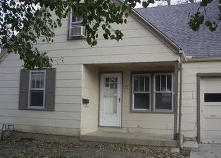 Foreclosed Home in Independence 64052 S CLAREMONT AVE - Property ID: 4370409533