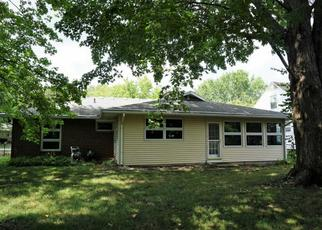 Foreclosed Home in Urbana 61801 MONTCLAIR RD - Property ID: 4371034967