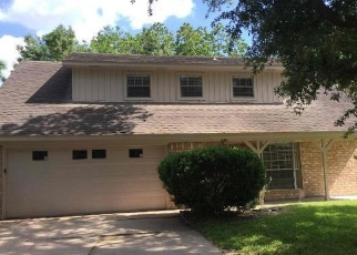 Foreclosed Home in Rosenberg 77471 AVENUE P - Property ID: 4371471170