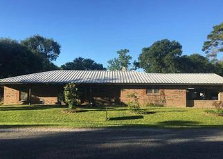 Foreclosed Home in Bridge City 77611 WISTERIA ST - Property ID: 4371622271