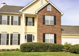 Foreclosed Home in Charlotte 28215 VERMILION DR - Property ID: 4371649433