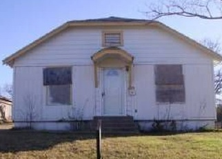 Foreclosed Home in Fort Worth 76107 LIBBEY AVE - Property ID: 4371689736