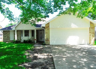 Foreclosed Home in Sugar Land 77498 RADCLIFFE DR - Property ID: 4371778185