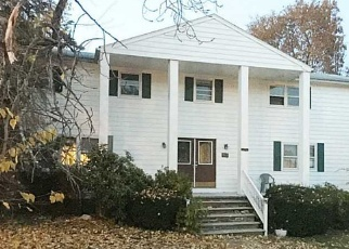 Foreclosed Home in Providence 02909 LINWOOD AVE - Property ID: 4371802729
