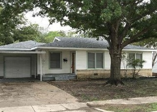 Foreclosed Home in Haltom City 76117 REVERE ST - Property ID: 4371883305