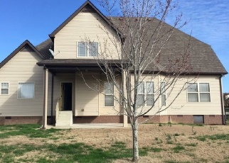 Foreclosed Home in Clarksville 37043 WILLOW CIR - Property ID: 4371961712