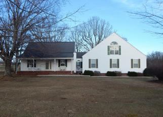 Foreclosed Home in Crossville 38572 TAYLORS CHAPEL RD - Property ID: 4371990169