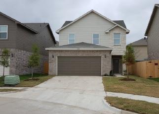 Foreclosed Home in Dallas 75227 RISING SUN LN - Property ID: 4372008126
