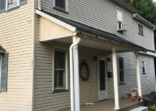 Foreclosed Home in Pen Argyl 18072 CHESTNUT ST - Property ID: 4372139527