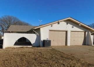 Foreclosed Home in Norman 73026 E ROCK CREEK RD - Property ID: 4372513556