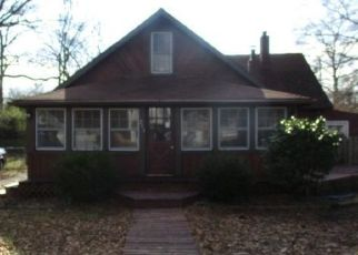 Foreclosed Home in Edgewater 21037 CADLE AVE - Property ID: 4372533708