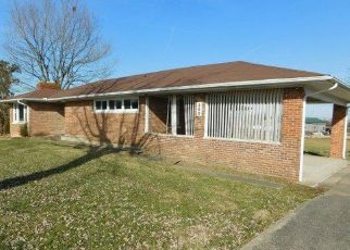 Foreclosed Home in Frankfort 40601 DEVILS HOLLOW RD - Property ID: 4372723339
