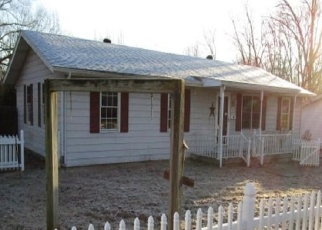 Foreclosed Home in Eldorado 62930 ACADEMY ST - Property ID: 4372753572