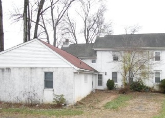 Foreclosed Home in Hatboro 19040 N YORK RD - Property ID: 4372974749