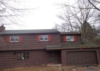 Foreclosed Home in Meriden 06450 MEADOW WAY - Property ID: 4373230515